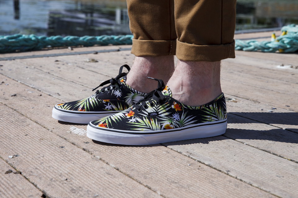 vans authentic palm trees review
