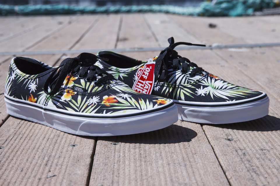 vans authentic palm trees