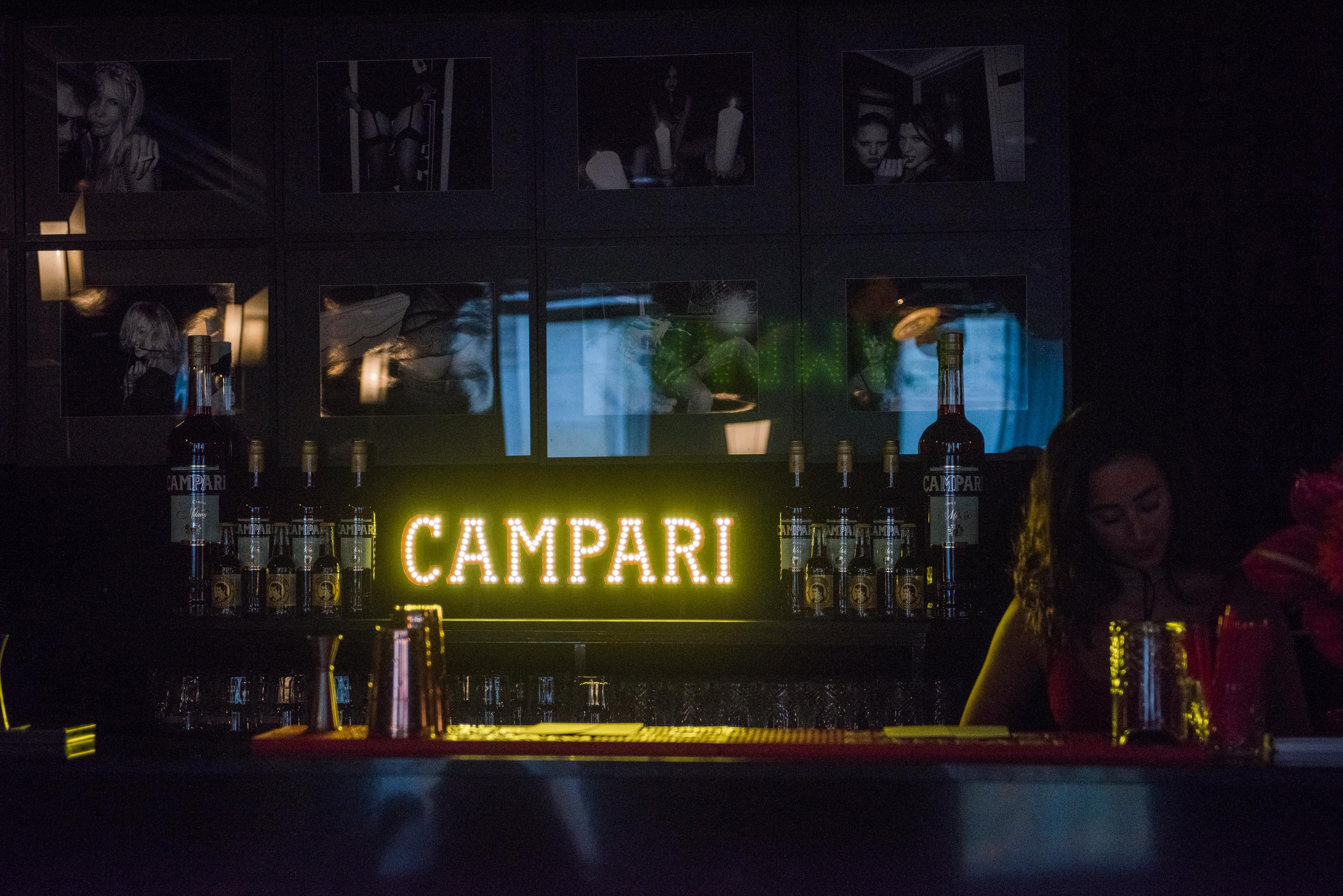 bar paris hotel club montana