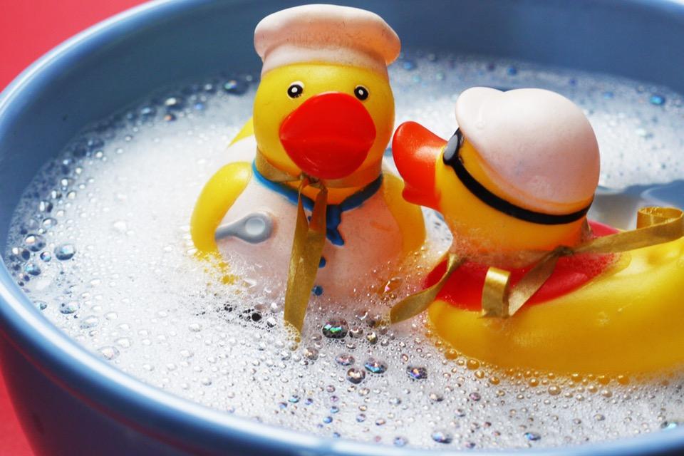 Canard jaune bain