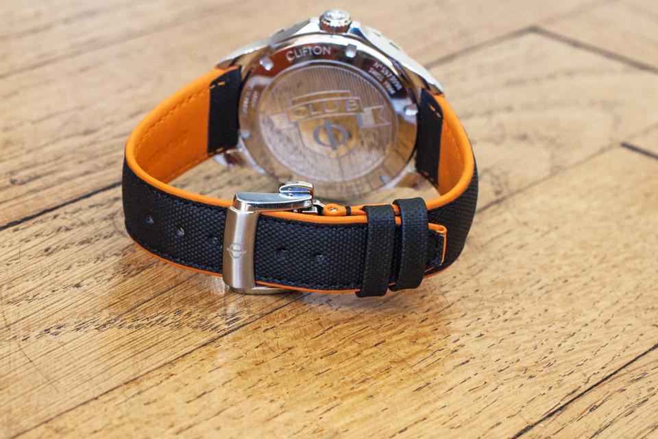 bracelet montre baume mercier clifton club