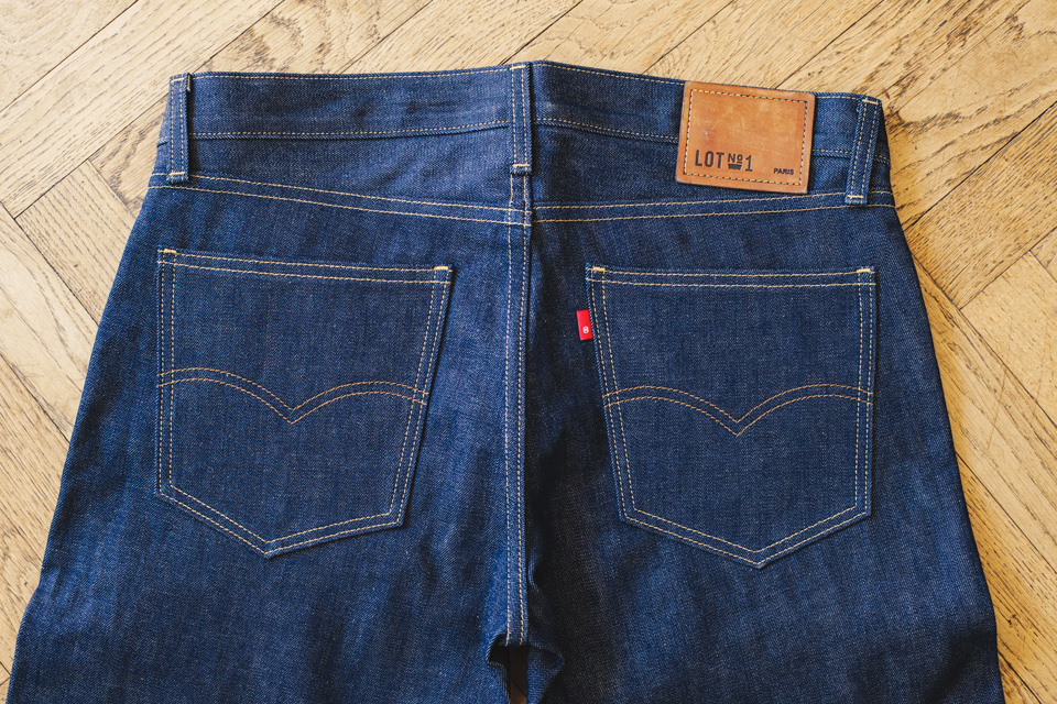 Levis jeans pockets