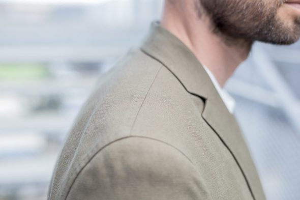 manufacture costume veste portee epaule