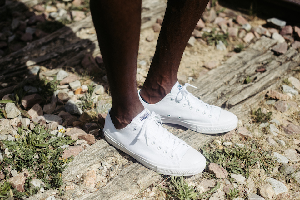 sneakers blanches homme look
