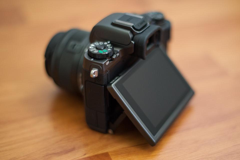 canon eos m5 ecran tactile