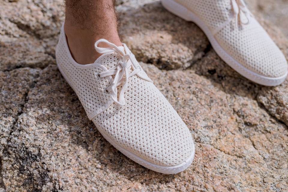 look-plage-detail-chaussures