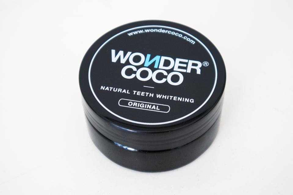 poudre charbon dents wondercoco