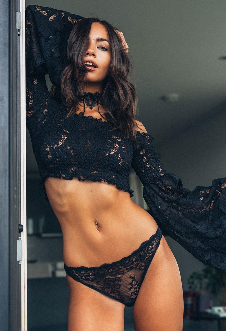 Arielle Panta Corps Sexy