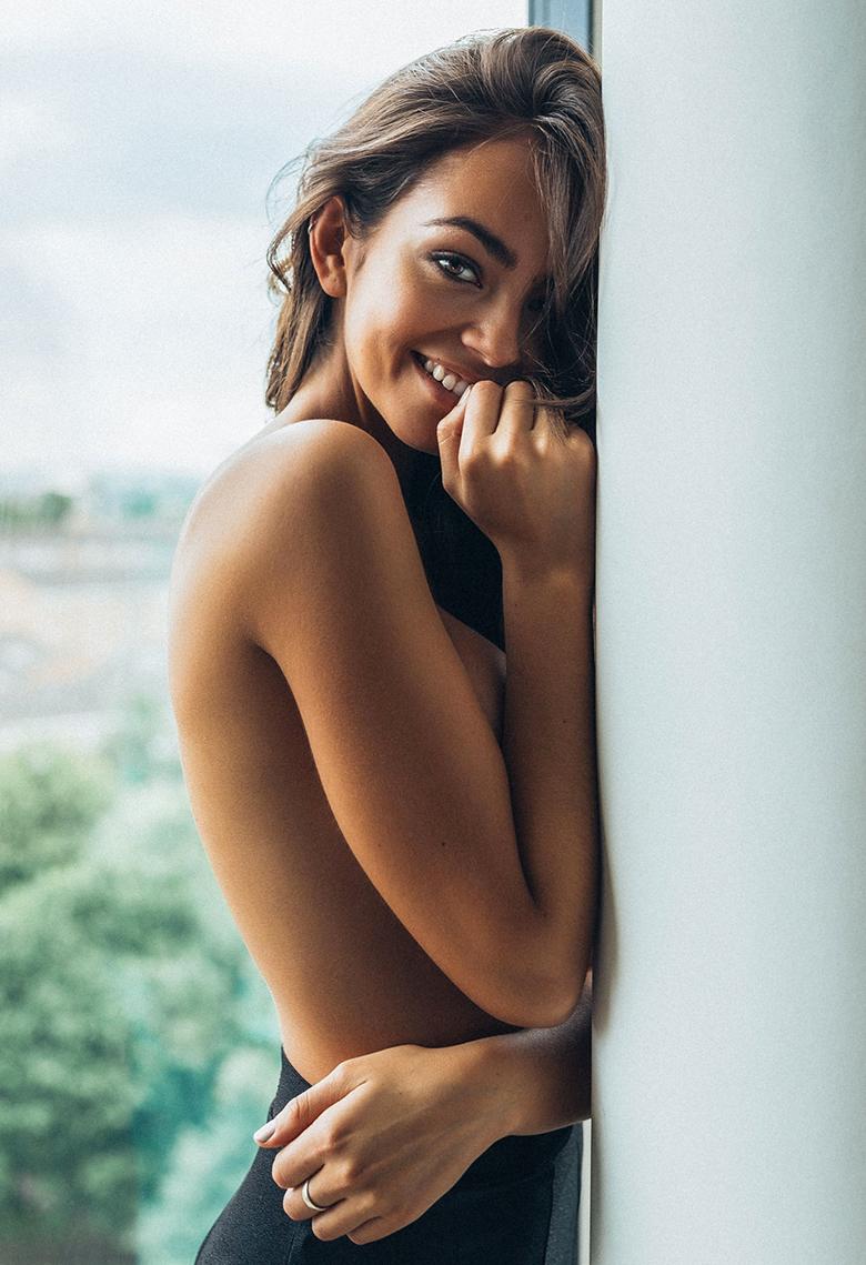 Arielle Panta Naked