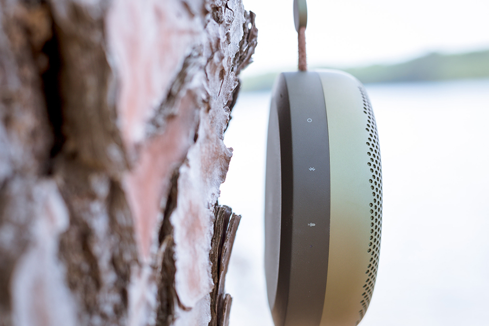 Enceinte Beoplay A1 Suspendue Boutons