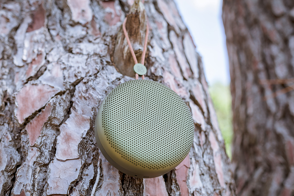 Enceinte Beoplay A1 Suspendue Close