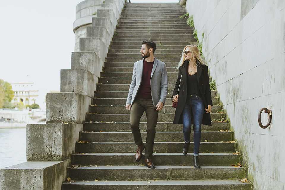 couple downhill steps paris