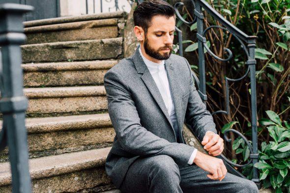 look homme costume gris harmony