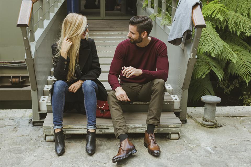 photo couple discussion paris