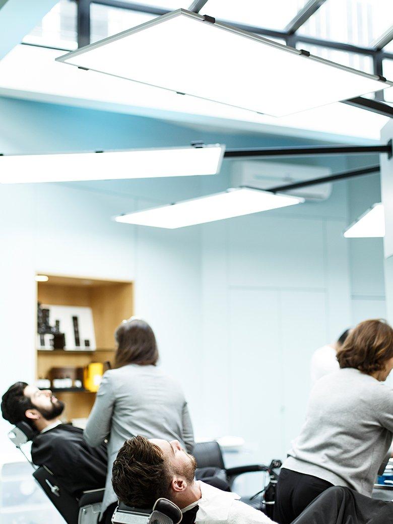 bienvenue chez la barbi re de paris. Black Bedroom Furniture Sets. Home Design Ideas
