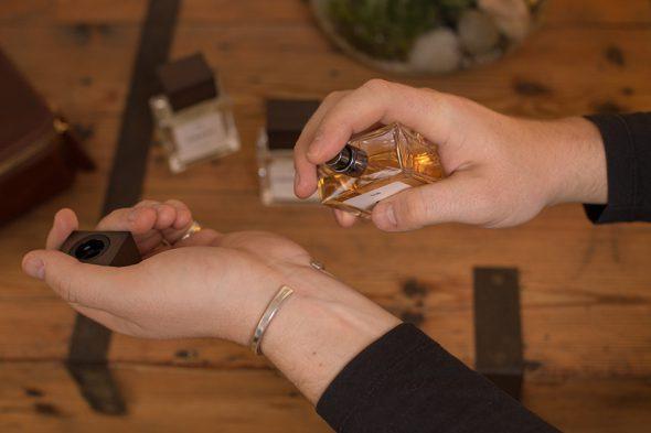 Bombinate Parfum Essayage