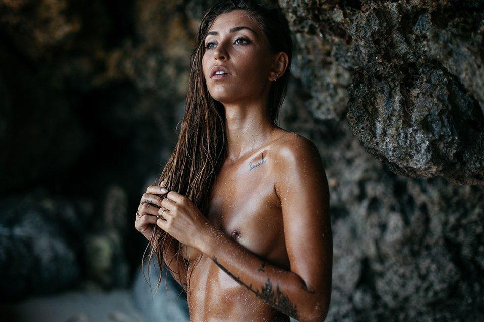 Mina Hot Naked Boobs Sexy Girl