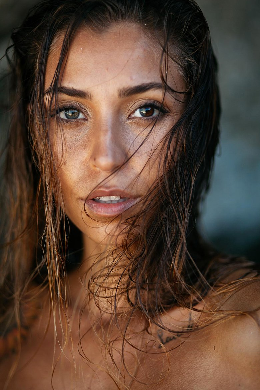 Mina Winkel Face Hot
