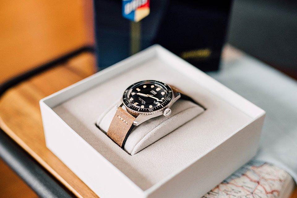 Montre Oris Divers Sixty Five 42mm Coffret ouvert