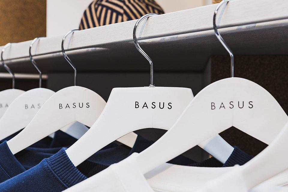 Basus Cintres
