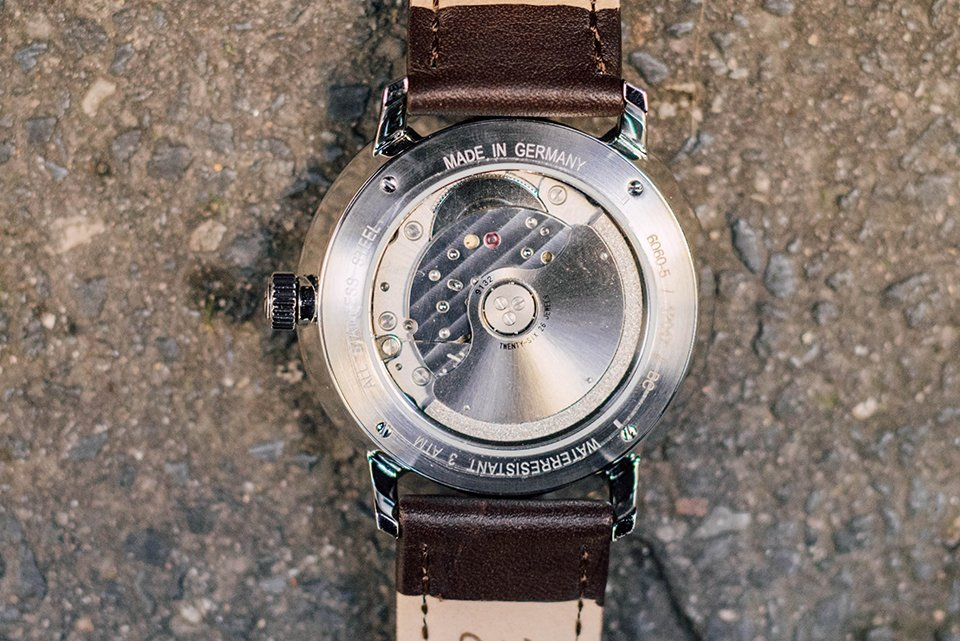 Montre Junkers Fond Close