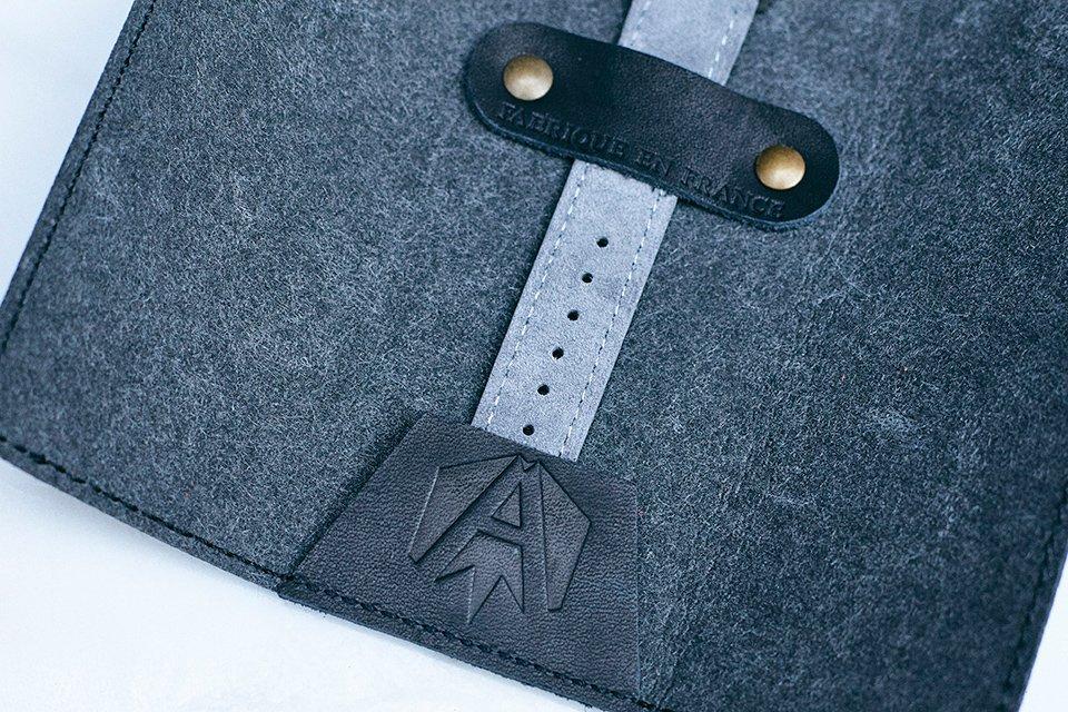 Akrone K04 Bracelet Cuir Close