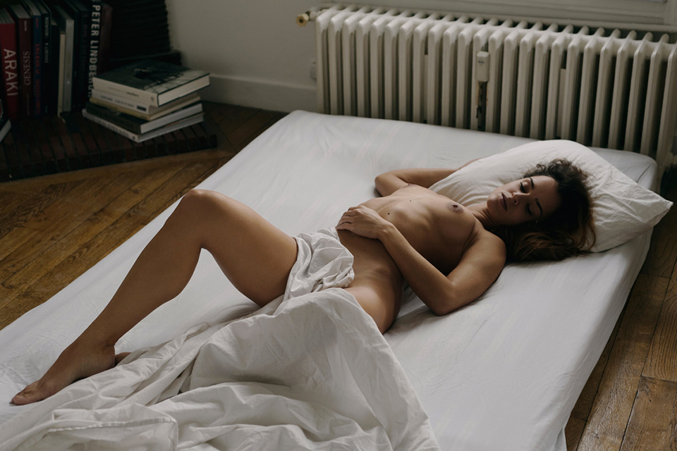 Eliya-Ca-pin-up-sexy-boobs-seins-nue-