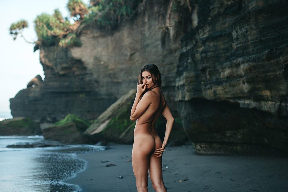 Ilvy-komono-sun-body-beach-ass-fessier