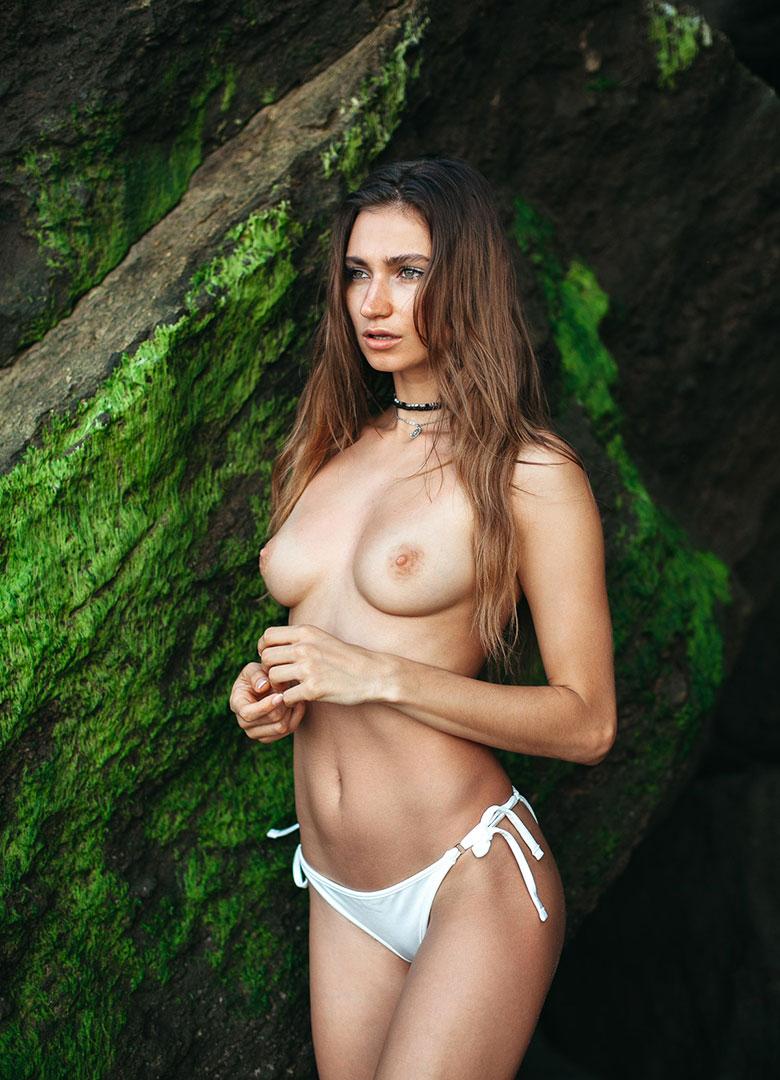 Ilvy-komono-sun-body-beach-boobs-poitrine