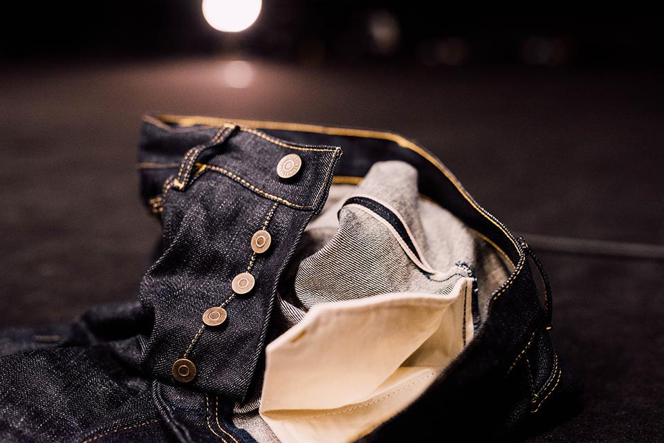 Jeans Asphalte Boutons Close