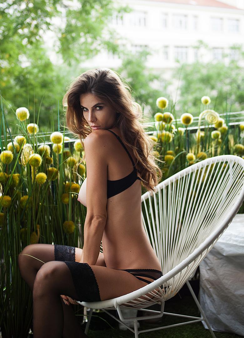 Alexandra Zimny Nude Photos 25