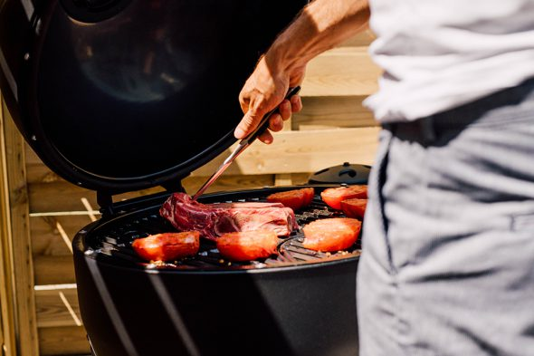 Terrasse Charbroil grill