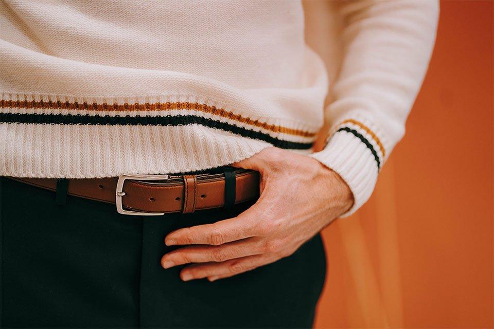 look homme ceinture cuir marron le pantalon