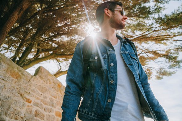 idee look homme printemps veste en jean everlane