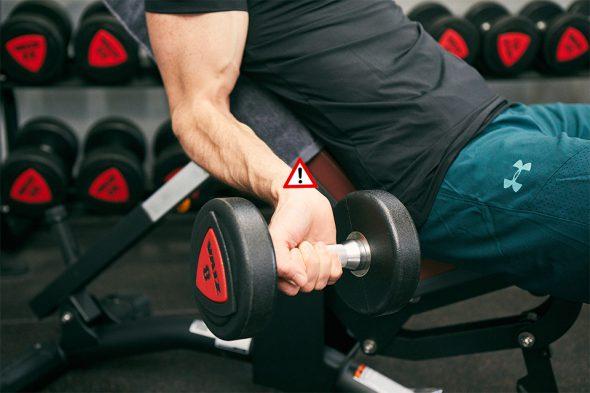 exercice musculation curl haltère poignet casse