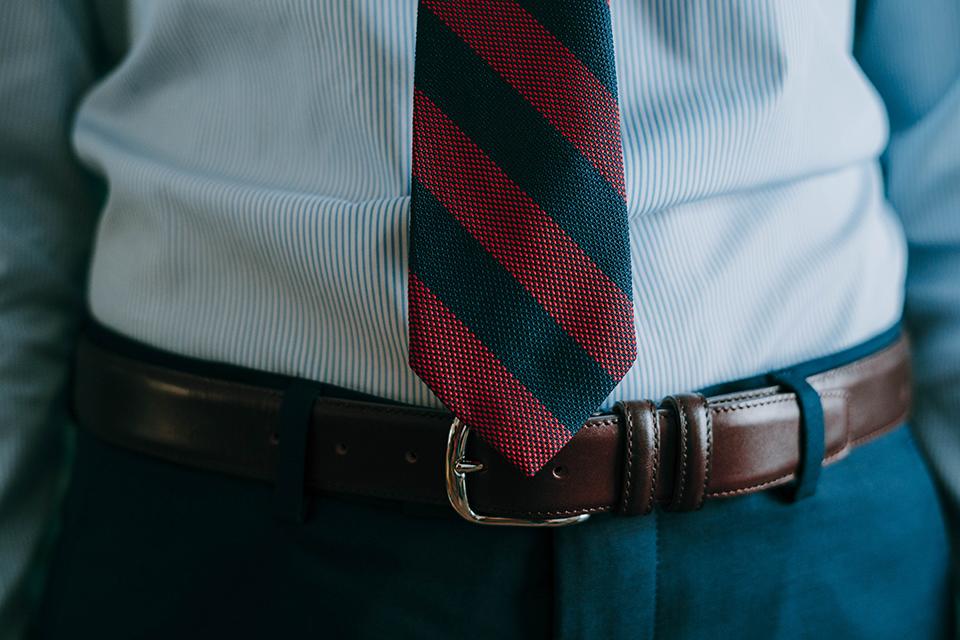 Porter Cravate Longueur Close