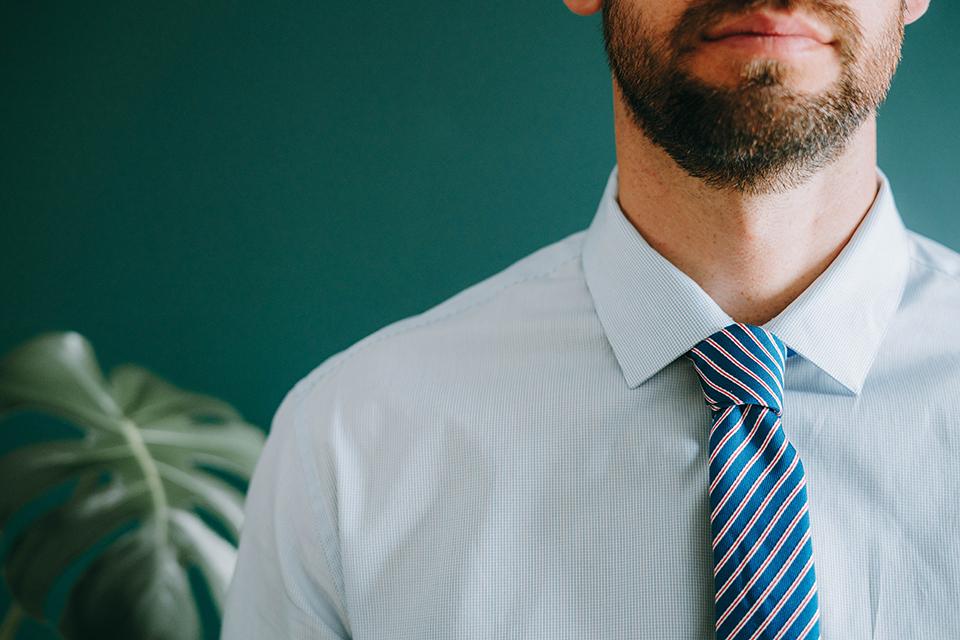 Porter Cravate Noeud Simple