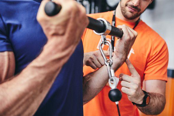 exercices pour developper ses biceps curl poulie position poignet