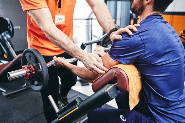 exercices pour developper ses biceps curl pupitre position bras