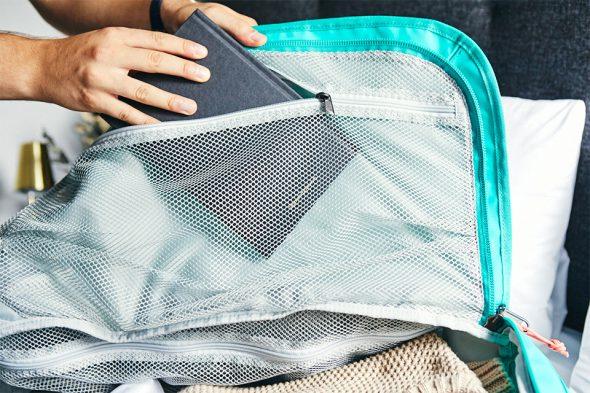 Livre poche intérieure valise