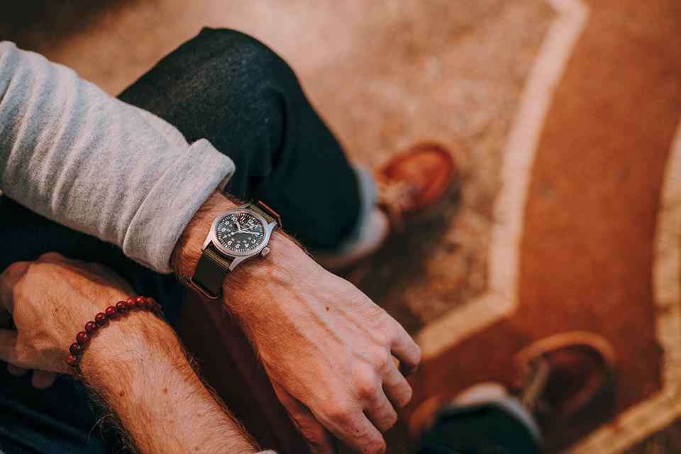 Look Alaska montre hamilton khaki