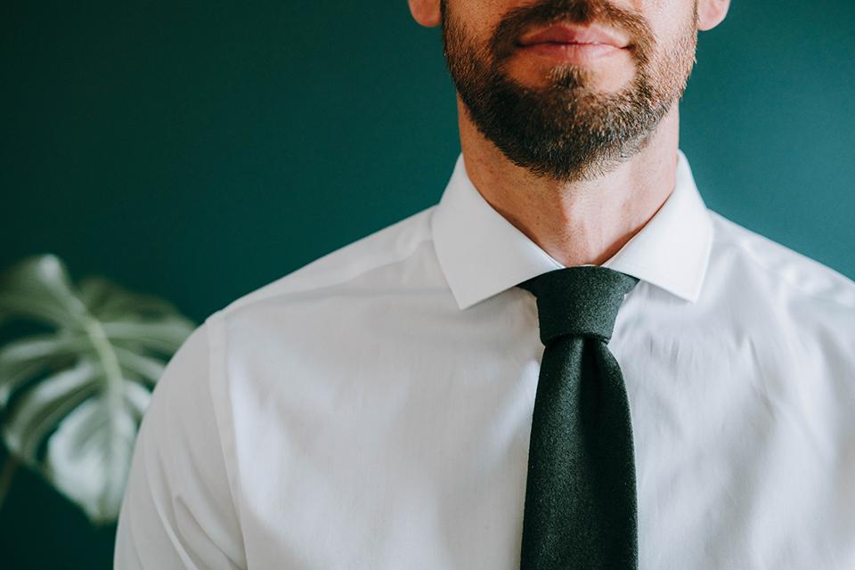 Assortir Cravate Chemise Blanche