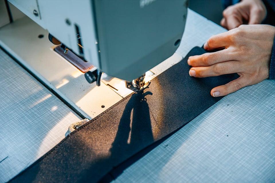 Atelier Bleu de chauffe couture plat