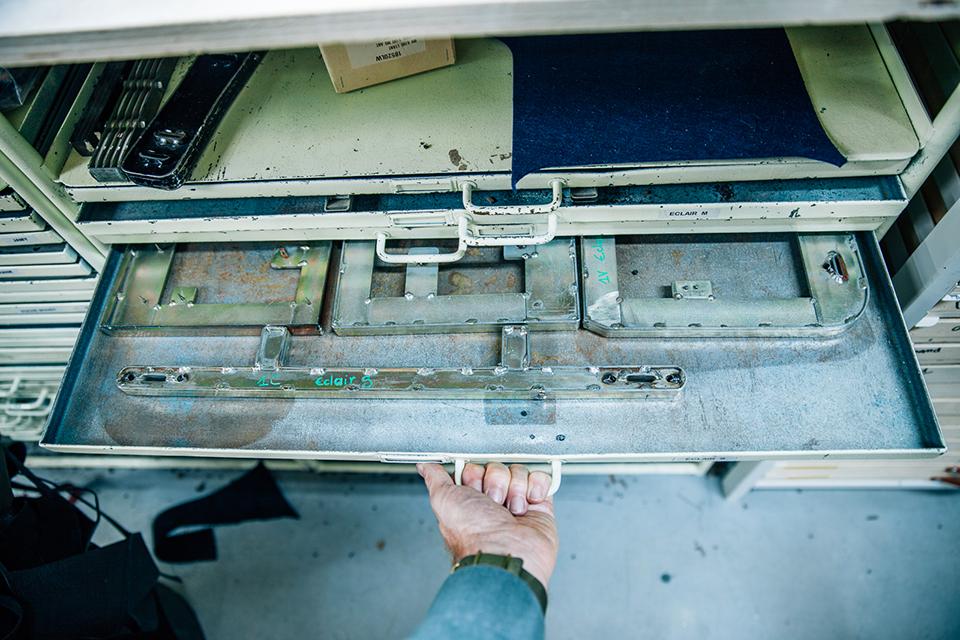 Atelier Bleu de chauffe cuir découpe emporte pieces