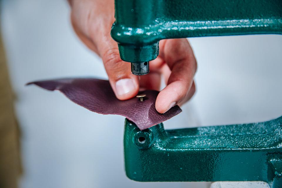 Atelier Bleu de chauffe pose rivet