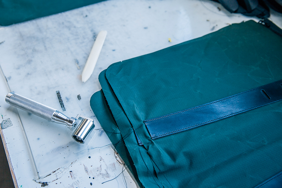 Atelier Bleu de chauffe toile tecklight