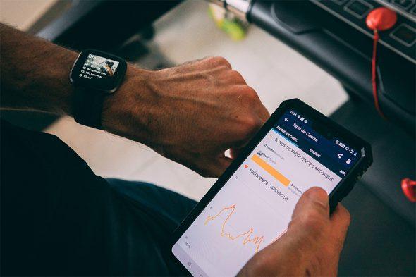 montre connectee fitbit versa 2 test et avis fonction sport