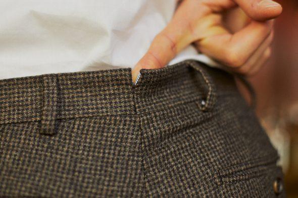 costume-hast-pantalon-detail