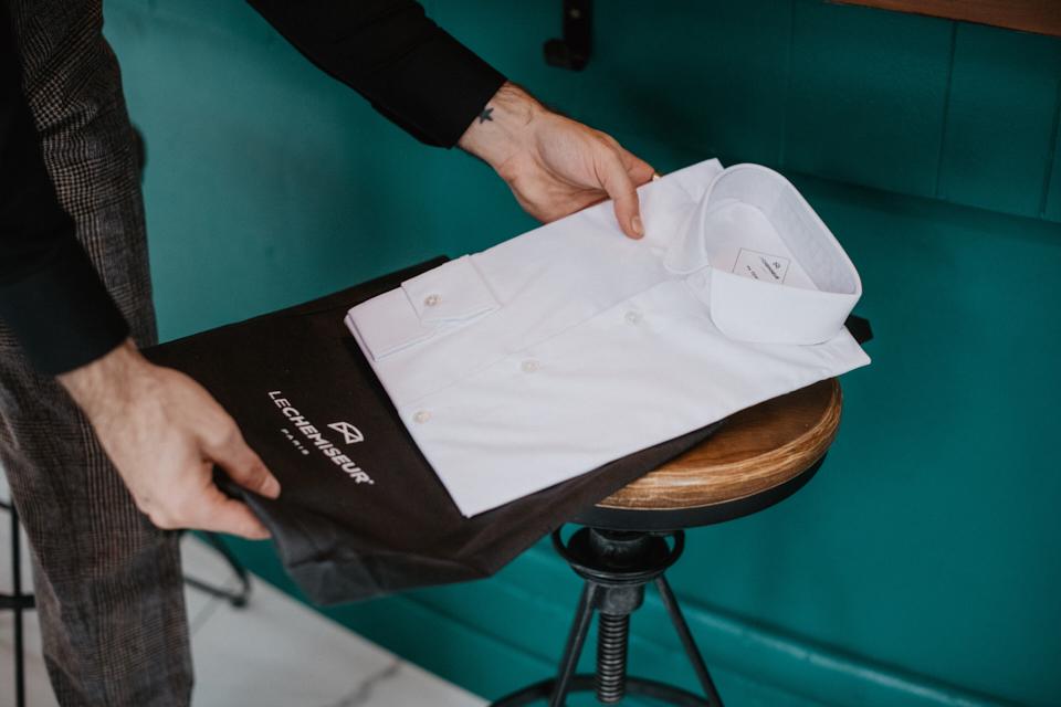 le-chemiseur-col-rond-stretch-récéption