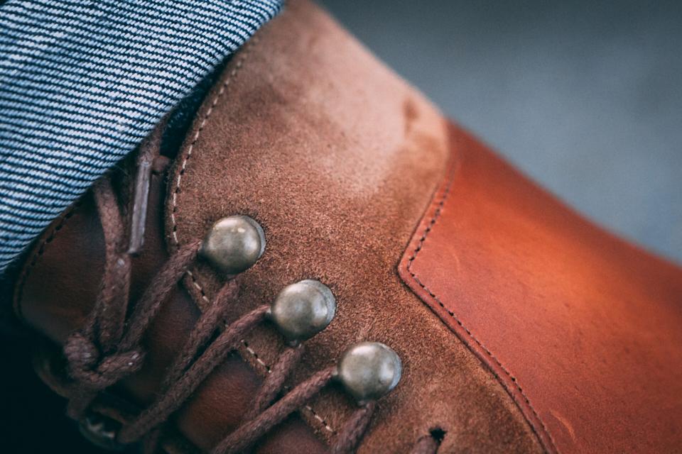 pied-de-biche-combat-boots-cuir